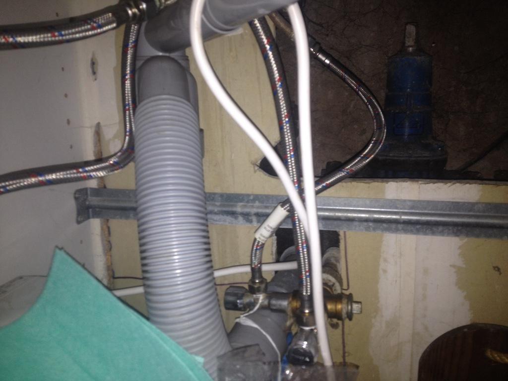 Oprava prasklé kanalizace