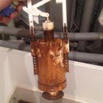 Výměna prasklého ventilu wc splachovače